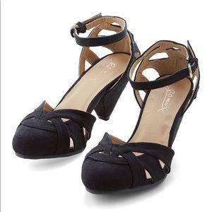 Modcloth Currant Scones heels in black